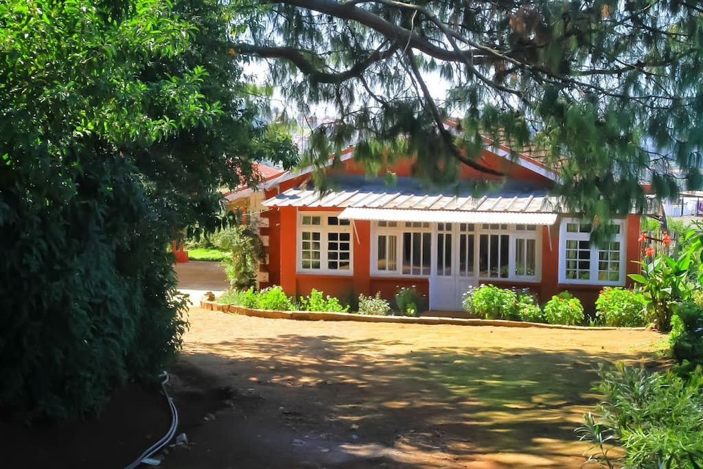 Turrett colonial style cottage maisons louer ooty tamil nadu inde - Maison style cottage ...
