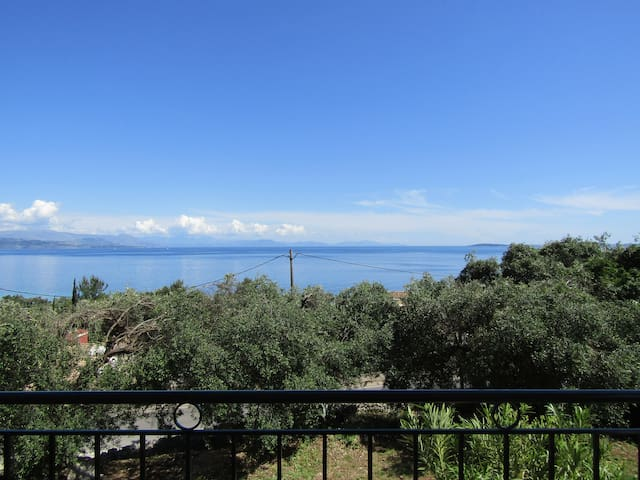 2 bedroom Apartment with sea view - Korfu - Hus