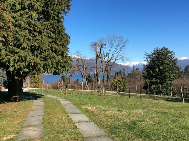 nice room close to the lake - Castelveccana - Bed & Breakfast