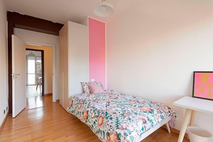 Private Room with Balcony - Navigli/Sant'Agostino