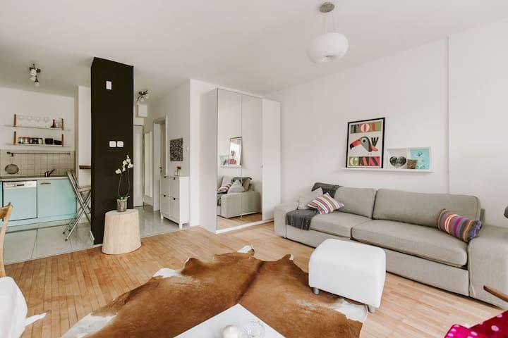 Cosy studio with free underground garage in center