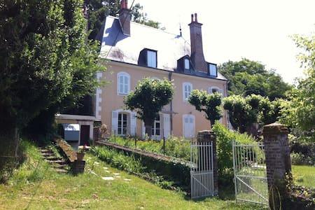 POUR LES 24 HEURES DU MANS    ch 1 - Château-du-Loir - Talo