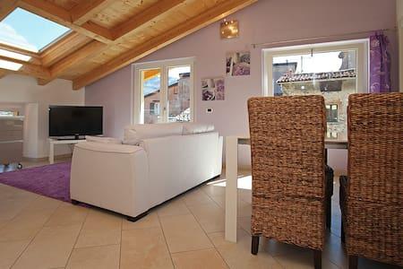 Appartamento LILLA a Villa Maggie  - Malgrate - Villa