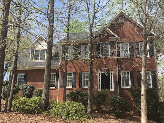 Entire 2 Story Traditional House, Cartersville GA
