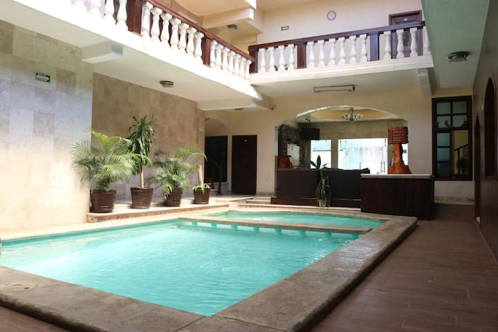 Hotel Quetzal doble king size