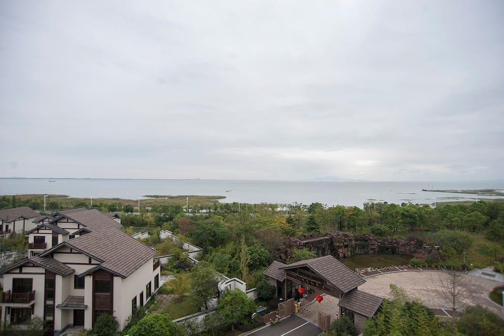 超大的湖景