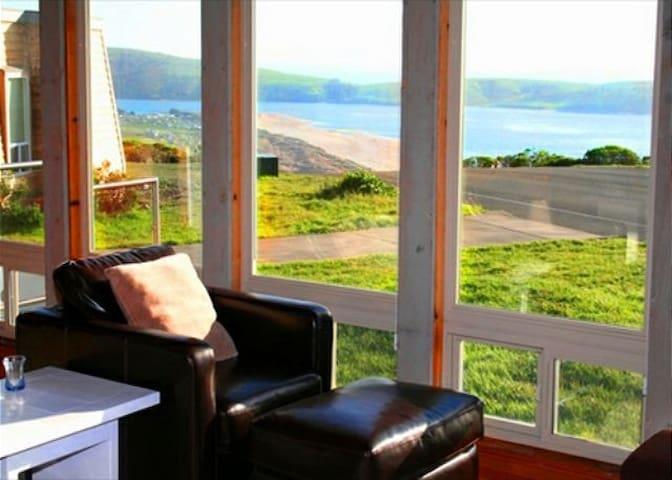 """Sea Crest"" Ocean Views! Deer, Deck - Dillon Beach - Casa"