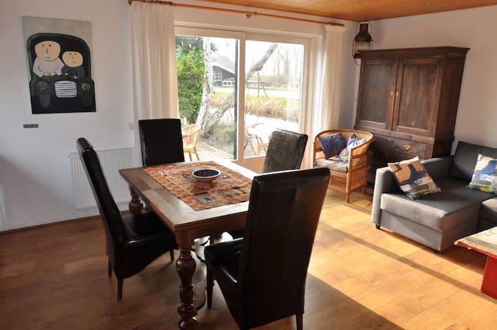 The livingroom/kitchen.