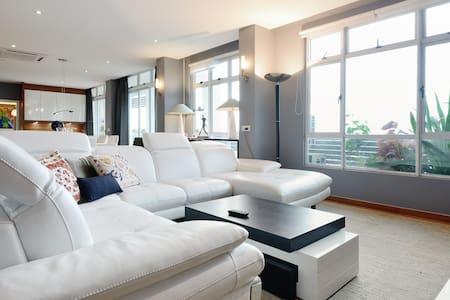 3. Part of luxurious #penthouse - Johor Bahru