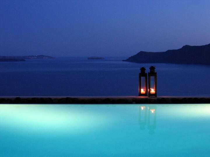 Grand Canava Villa with Private Pool - Oia