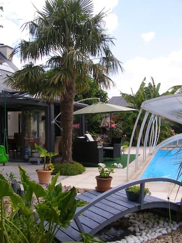 Au jardin d'Eden, chambres  d'hôtes (grise) - Poilley - Bed & Breakfast