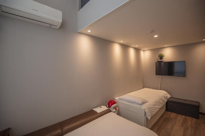 Double Floor, Rooftop Barbecue, 5Min Myeondong,