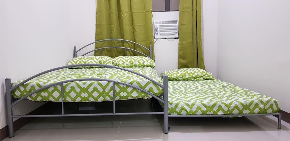 An Elegant yet Affordable Single Bedroom 1735