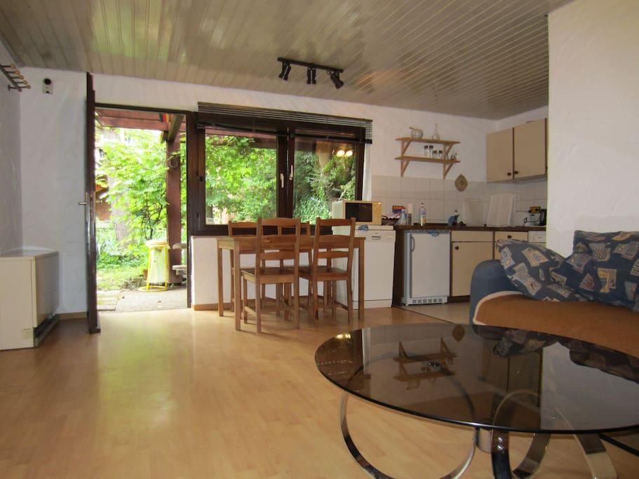 Wohnküche mit Schlafsofa