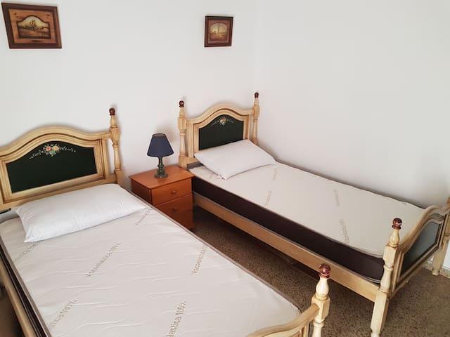 Habitación con dos camas individual - Algeciras - Apartamento