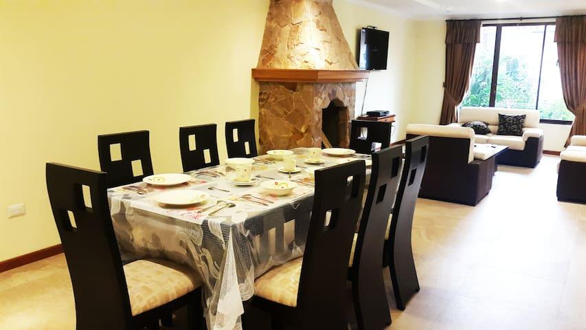 Arriendo casa nueva y muy comoda - Cuenca - House
