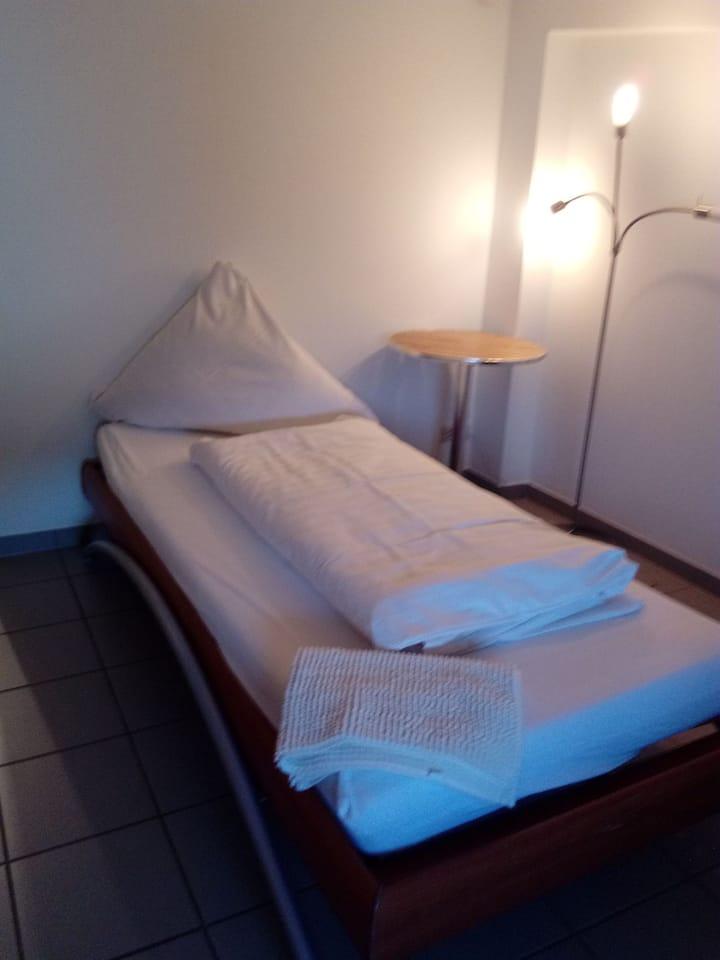 Schönes  Zimmer in Wachenheim an der Weinstrasse