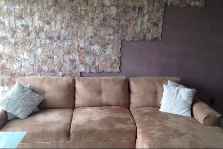 Conftable Couch - Ciudad de MéxicoP - Departamento