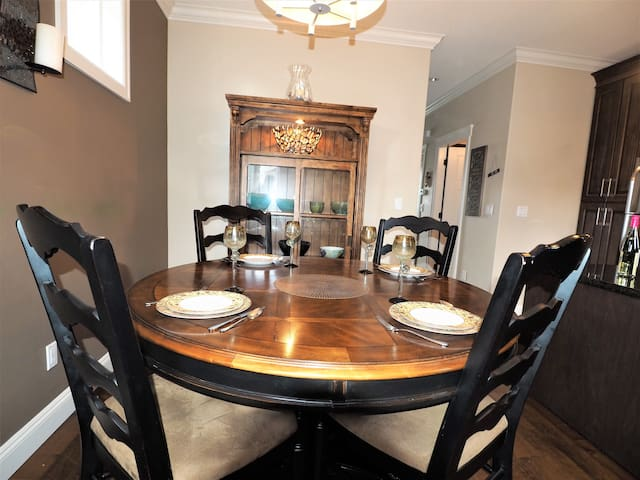 Dining table easily seats 6