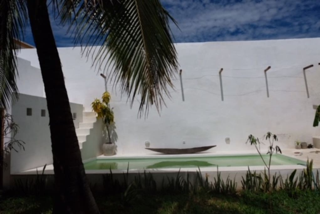 Plunge in the private swimming-pool
