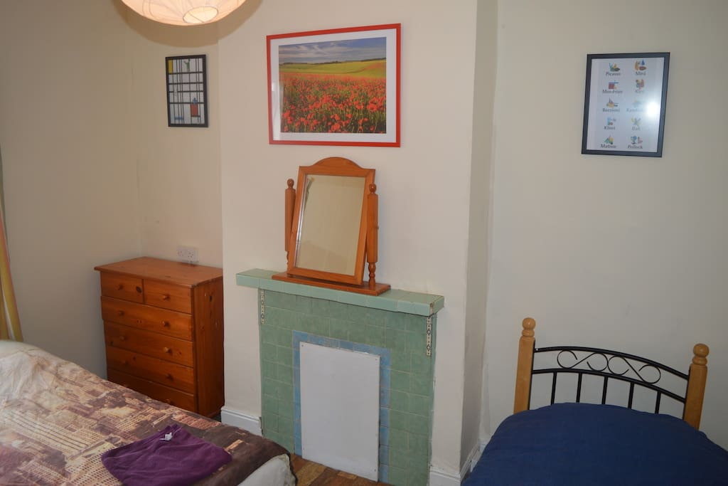 Clean comfortable spacious room, perfect for anyone coming to Dublin to enjoy everything the beautiful city has to offer.
