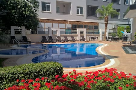 Nice apartment with pool, gym, close to the beach - Alanya - Huoneisto
