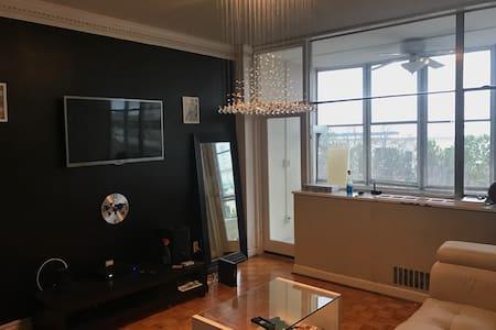 Atlanta  Luxury high rise w/sunroom - 亞特蘭大