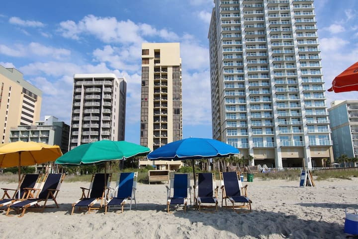 Oceanfront 2Bdrm/2Bth-Location, Kitchen &Amenities