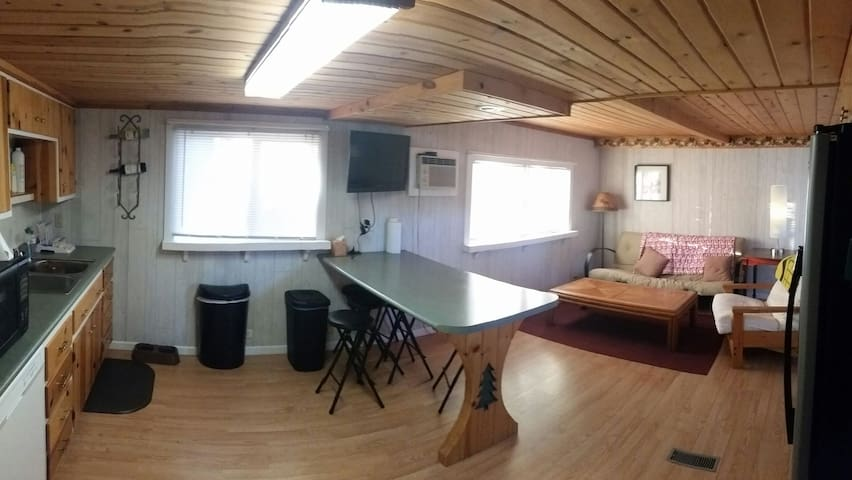 Cozy Loon Lake Cabin