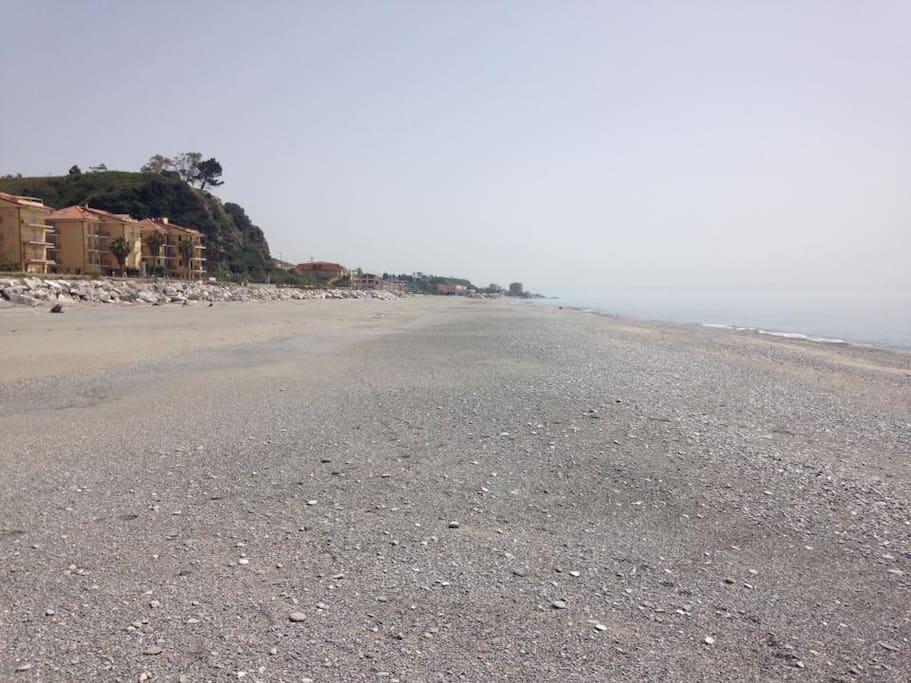 Spiaggia difronte la casa, a soli 50 metri!
