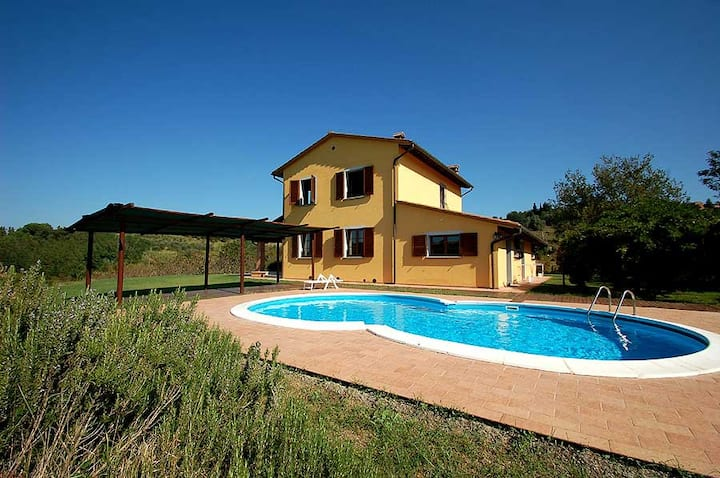 House with private pool, air cond, Wi-fi near Pisa