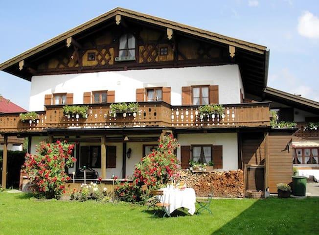 Doppelzimmer in den Bergen - Das neue Mammhofer - Oberammergau - Bed & Breakfast