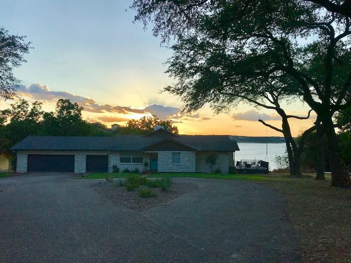 The Lakeview Retreat at Lake Belton- Lake Access!