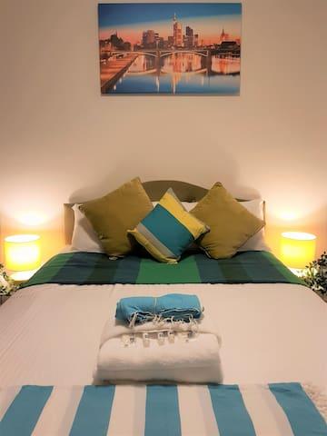 Brand new, bright & stunning apartment- Liverpool