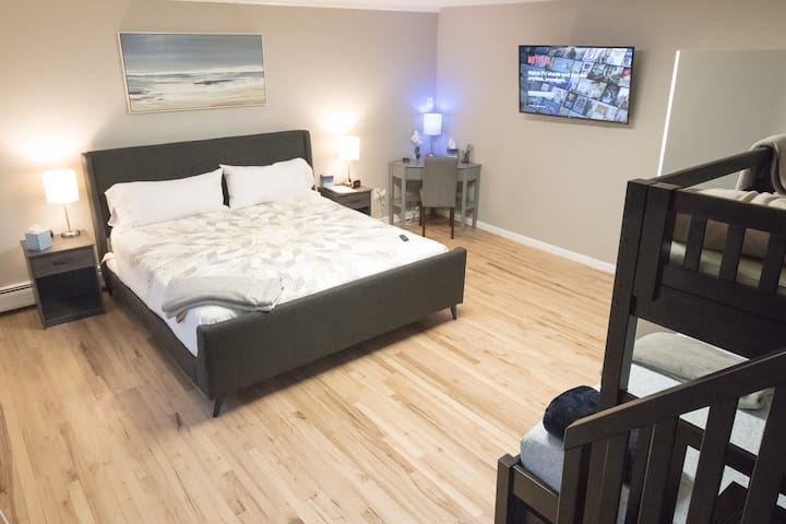 New, 20% Off: NYC 1 STOP! Suite 3A-Huge, 3 Beds!