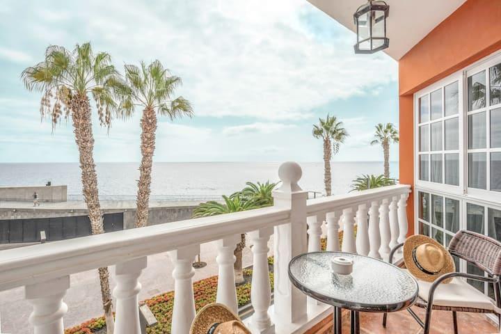 "Cozy Holiday Apartment ""Apartamento Carla 2B"" in Playa San Juan with Sea View & WiFi"