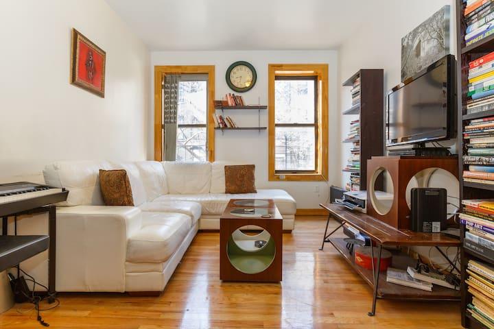 upper manhattan king room wohnungen zur miete in new. Black Bedroom Furniture Sets. Home Design Ideas