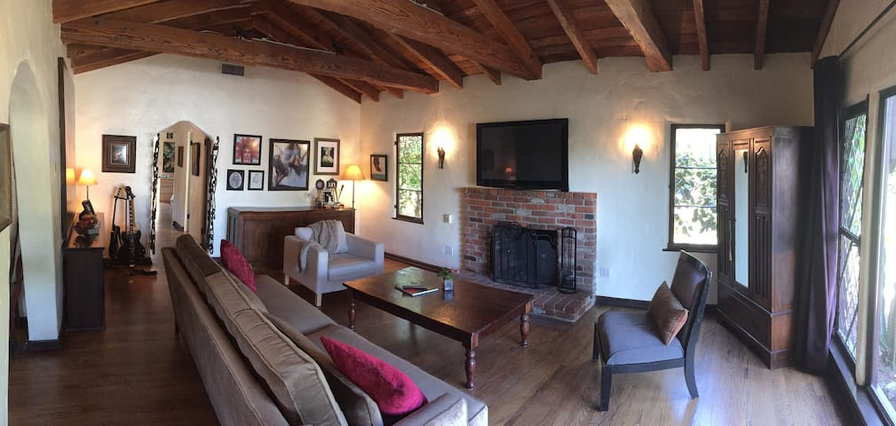 Beautiful Spanish Home In Burbank - Burbank - Dům