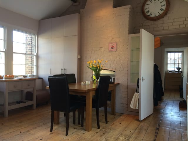 sunny flat next to flower market! - Londres - Loft