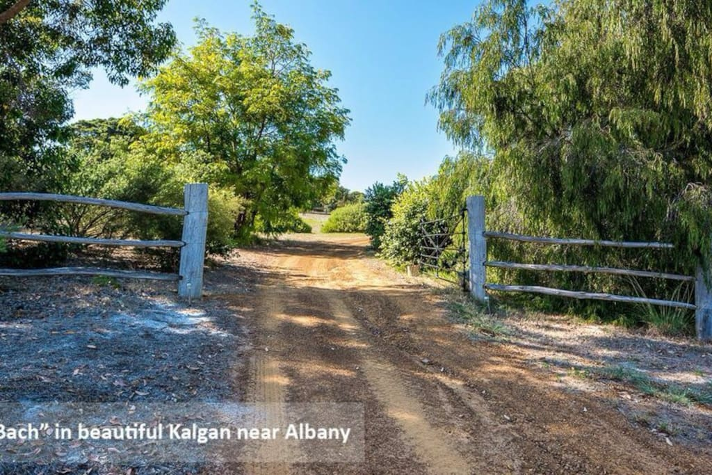 Entry to 77 Walford Road, Kalgan