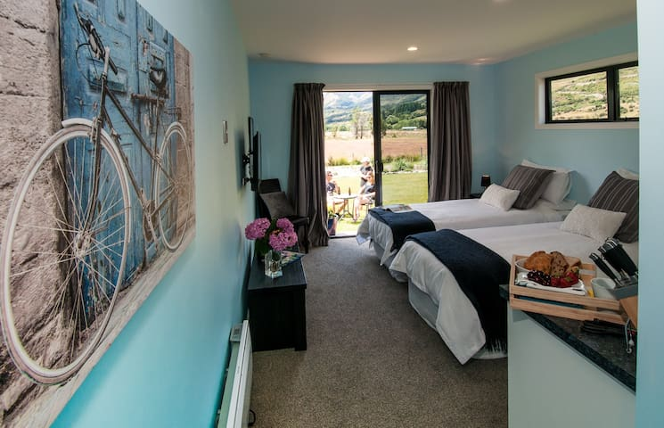 Glenorchy Peaks Delux Super King/Twin Ensuite room