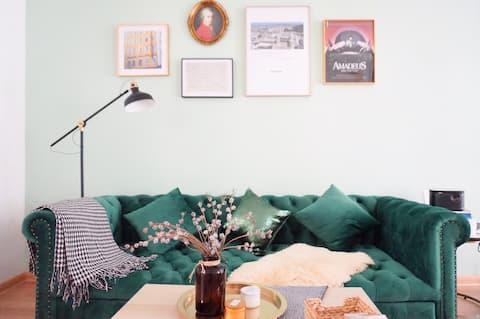 【迦南美地】温暖竹林庭院 | 北欧复古风| 大屏投影led串灯| 卧室全飘窗 | 网红小屋拍照轰趴