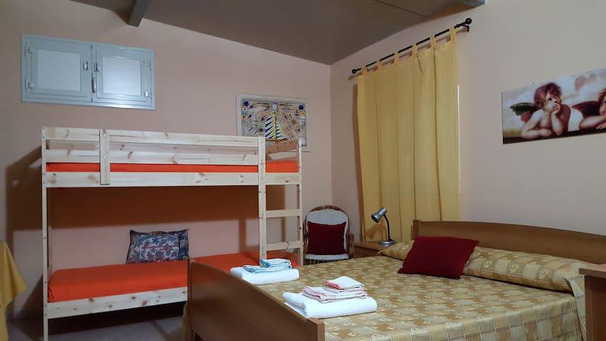 SIRACUSA, oasi del Plemmirio - Bilocale VERDE - Fanusa - Vakantiewoning