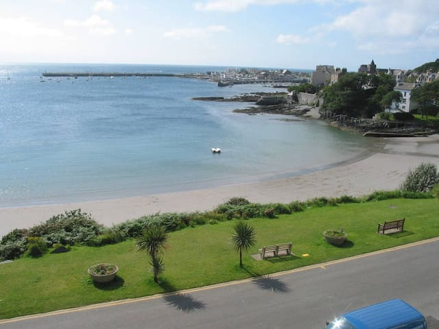 Ensuite Double Room in Mallmore, Port St Mary