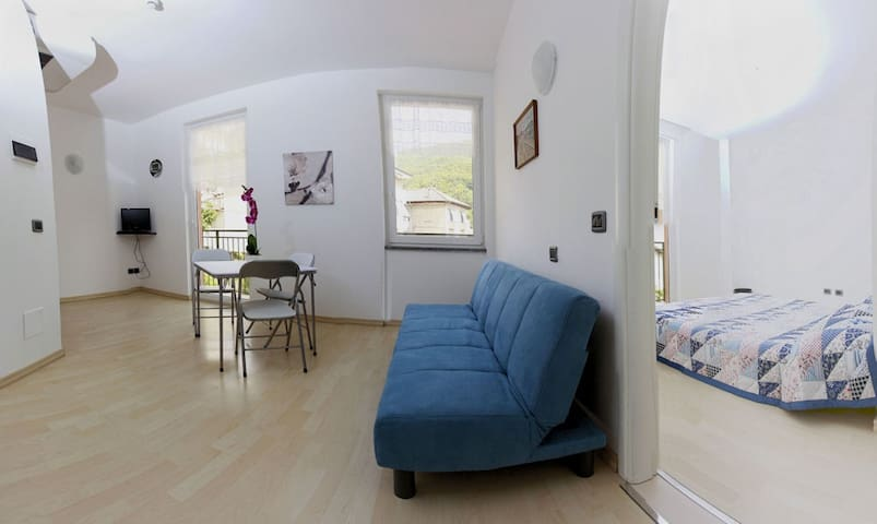 A21 Romantic two-room with balcony - Maccagno - Apartment