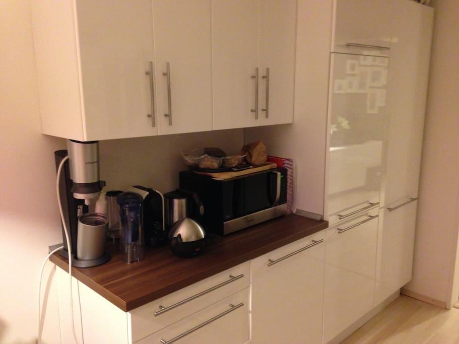 Microwave. Toaster. Water Heater. Coffee Machine. Fridge/Freezer.