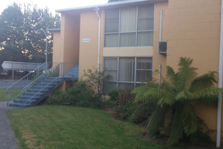 Fully Furnished Unit near Railway 308 - Queenstown - アパート