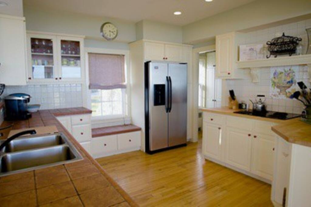 Kitchen with all appliances and housewares ready to enjoy.