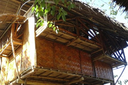 Chilling Bamboo Tree House - Puerto Princesa
