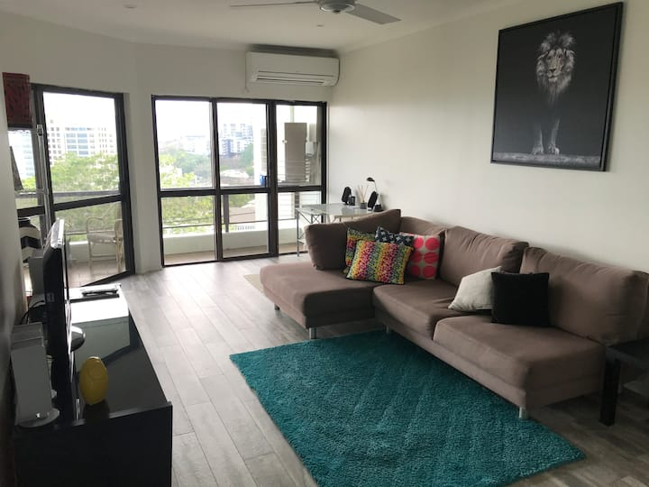 Full Air Conditioned 2 Bedroom city unit wifi pool
